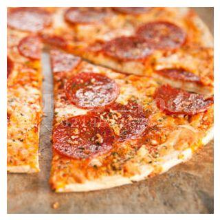 پیتزا سیر و پپرونی